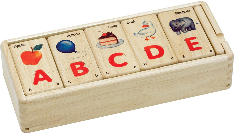 S609J Jigsaw Alphabet Puzzle (Capital Letters)